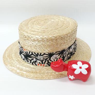 文二郎のカンカン帽と赤べこ